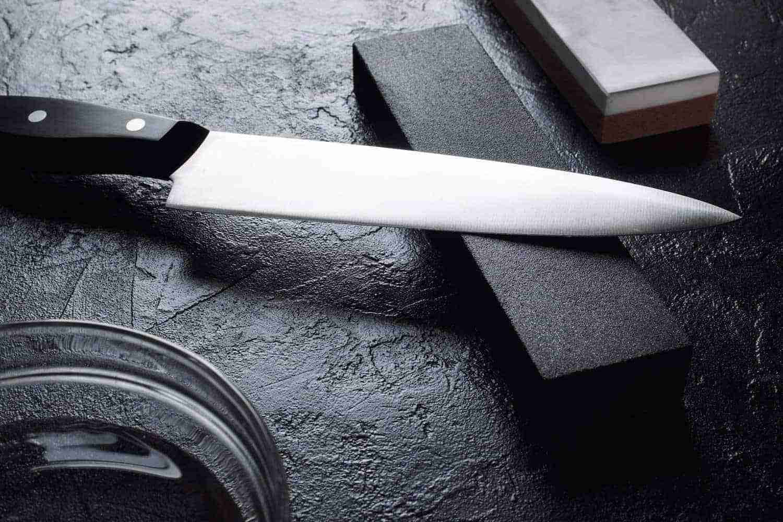 la manutenzione del coltello