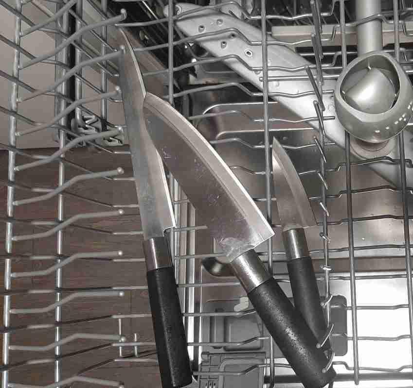 Coltelli in lavastoviglie